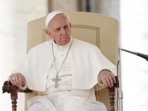 papa-nn-si-può-servire-dio-e-soldi-300x225