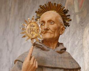 L'Aquila, Basilica di San Berardino da Siena, statua di San Bernardino da Siena