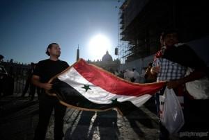 piazza-san-pietro-veglia-6-settembre-arrivo-siriani-in-piazza-300x202
