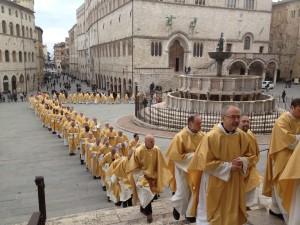 sacerdoti-in-processione1