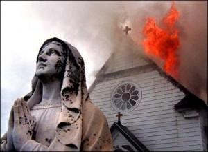 Chiesa-che-brucia-300x220