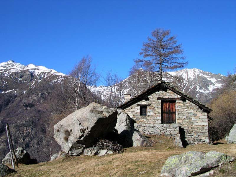 La casa costruita sulla roccia for Casa costruita