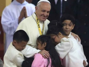 img1024-700_dettaglio2_Papa-Francesco--Manila-Reuters