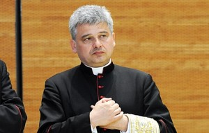 Archbishop_Konrad_Krajewski_papal_almoner_Credit_mazur_wwwthepapalvisitorguk_CC_BY_NC_SA_20_CNA_10_15_13