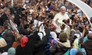 2015-11-26T071727Z_821923416_GF20000074219_RTRMADP_3_POPE-AFRICA_MGTHUMB-INTERNA