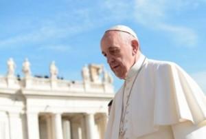 Papa-Francesco-in-visita-a-Tempio-Maggiore-Roma-17-gennaio-2016-640x430