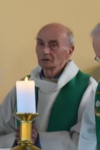 Preste ucciso in FranciaIl sacerdote, chiamato come Jacques Hamel  stato accoltellato a morte durante l'attacco a Saint-Etienne-du-Rouvray, vicino alla citt settentrionale francese di Rouen, in Francia il 26 luglio 2016. Un sacerdote  stato ucciso da due uomini armati che hanno sequestrato ostaggi in una chiesa vicino alla citt settentrionale francese di Rouen.Priest Killed In Hostage-Taking Near RouenNO WEB NO APPS IN FRANCE - The clergyman, named as Jacques Hamel was knifed to death during the attack in Saint-Etienne-du-Rouvray, near the northern French city of Rouen, France on July 26, 2016. A priest was killed on Tuesday when two armed assailants seized hostages at a church near the northern French city of Rouen. Five people were inside the church in the Normandy town of Saint-Etienne-du-Rouvray when it came under attack, interior ministry spokesman Pierre Henry Brandet said. The archbishop of Rouen, Dominique Lebrun, named him as 84-year-old Jacques Hamel. Photo Collection Personnelle/Paroisse Saint-Etienne-du-Rouvray via ABACAPRESS.COM556723LaPresse  -- Only ItalyNO WEB