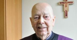 Padre-Gabriele-Amorth-03