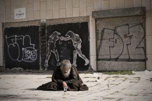 fate-tacere-povero-17